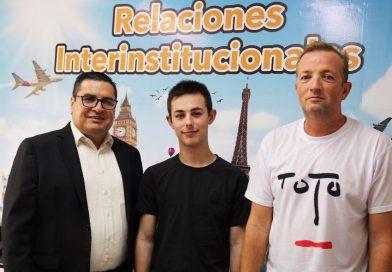 Estudiante francés se unirá al Semillero de Robótica de las UTS