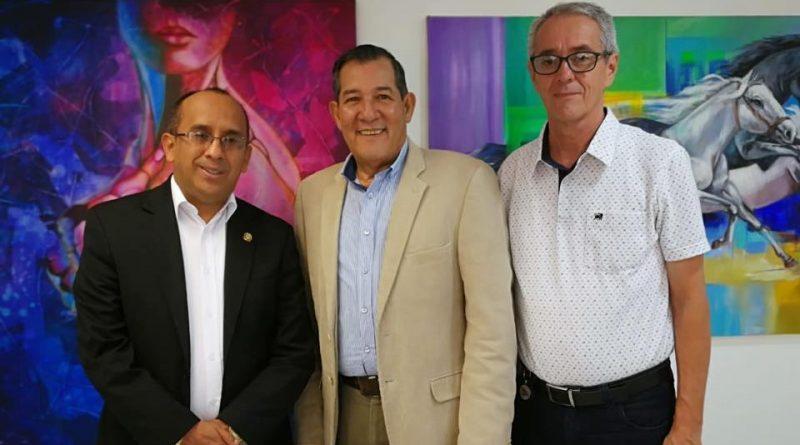 UTS recibe visita de miembro del Consejo Directivo de la REDTTU