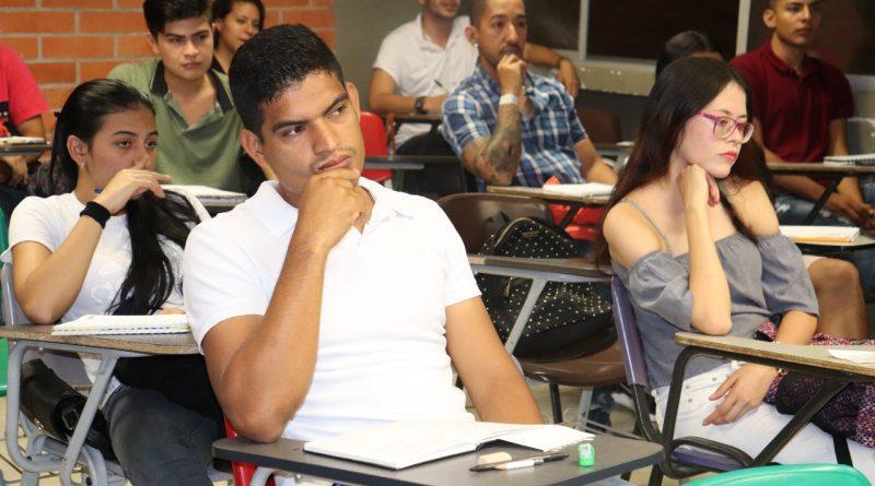 Estudiantes Generación E refuerzan conocimientos en Matemáticas