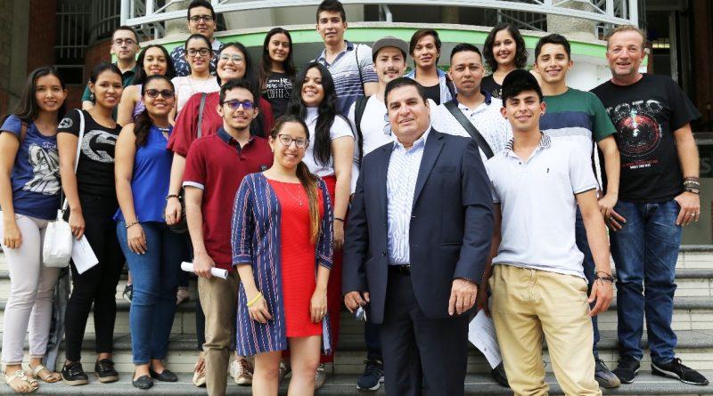 21 estudiantes UTS de movilidad a México y Argentina